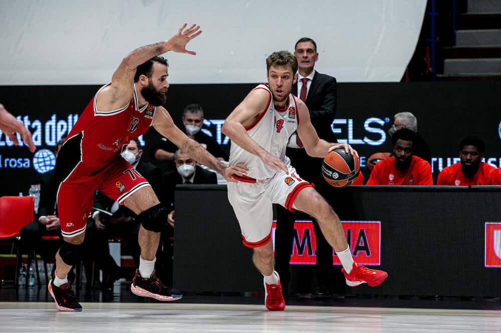 Armani_Milano_OlympiacosBC_Euroleague_2021_RedView