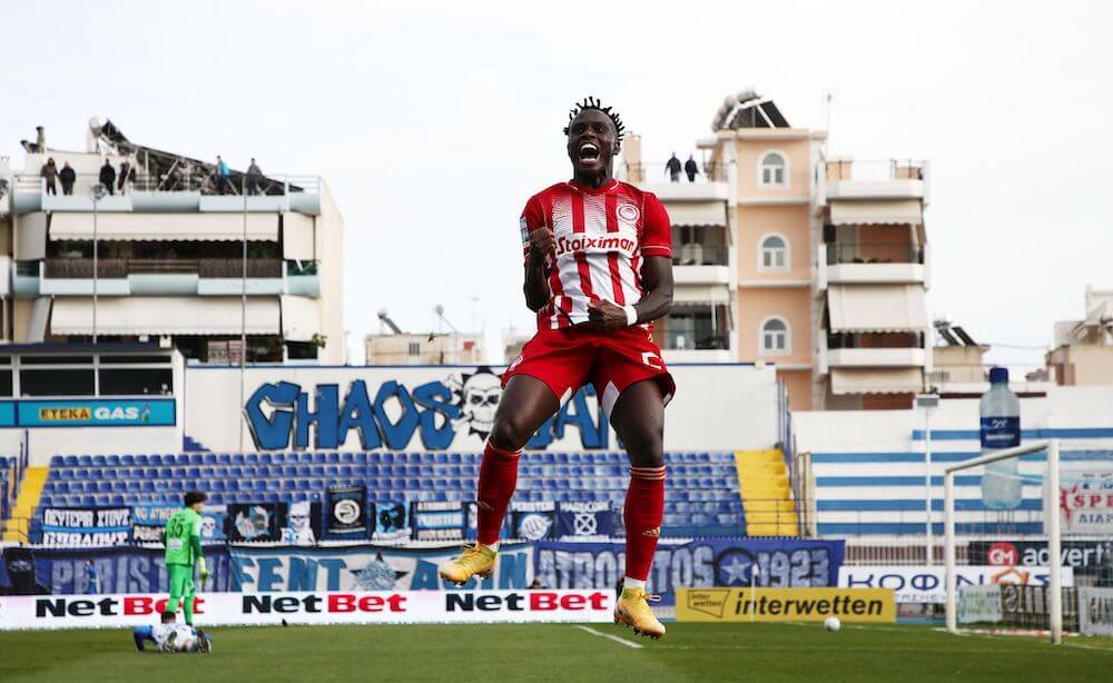 Atromitos_OlympiacosFC_Superleague_2021_RedView